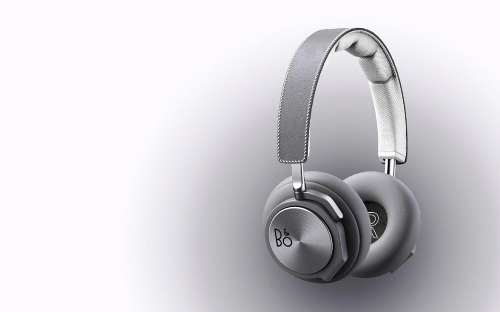 3d rendering headphones B&o